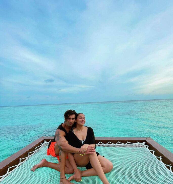 Bipasha Basu, Karan Singh Grover's 'monkey love' in Maldives