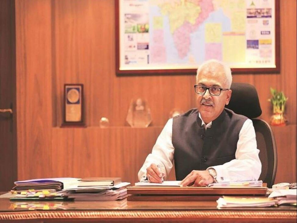 Stop oxygen supply for industrial use, Home Secy tells states