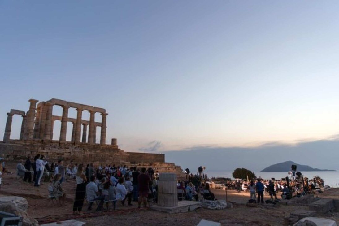 Greece to open up tourism from May 14