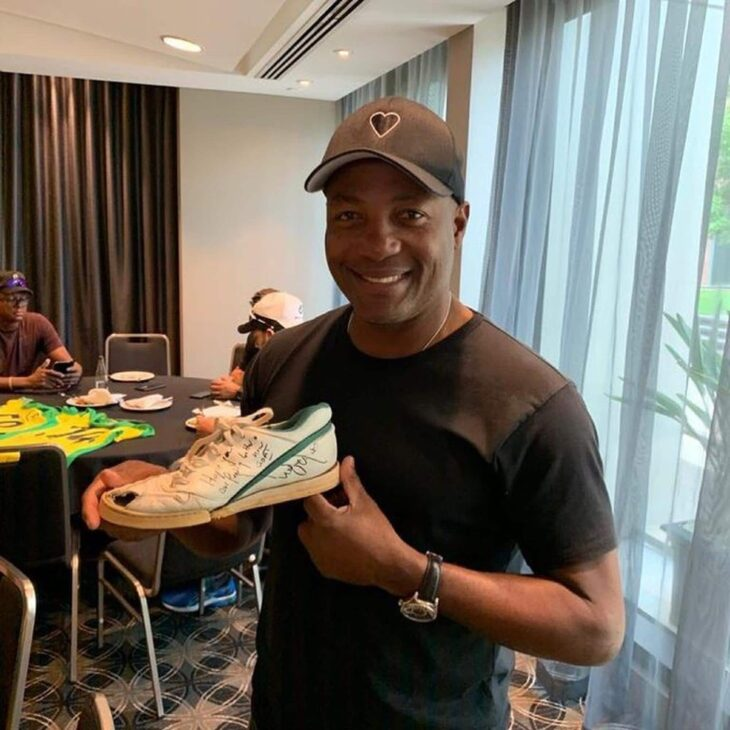 When Lara dug out his Akram-punctured 1992 WC shoe for charity