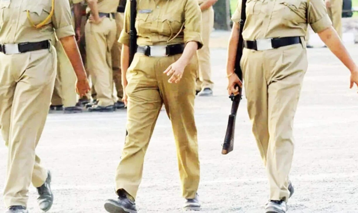 Women constables molested for checking man without mask