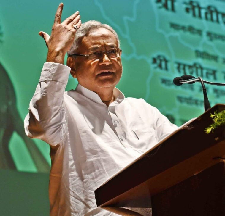 Nitish ridiculed for visiting Delhi for treatment