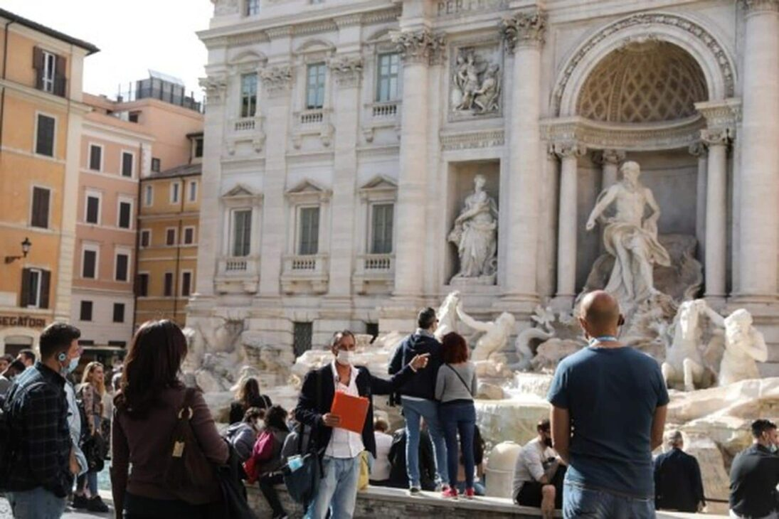 Foreign tourists' overnight stays in Italy down nearly 55% in 2020